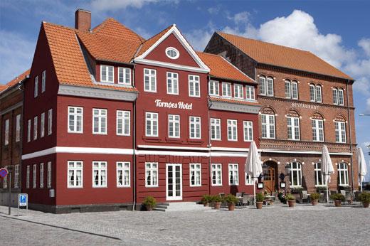 240_Tornoees_facade